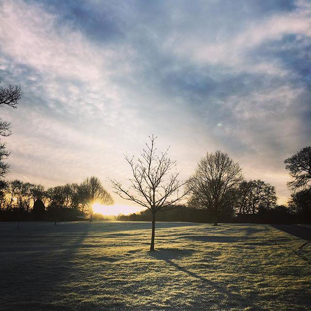 School run on a frosty morning....beautiful ❤️ #frostymorning #englishness