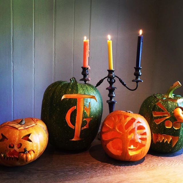 🎃 Candles & pumpkins ready for Halloween tea party 🎃