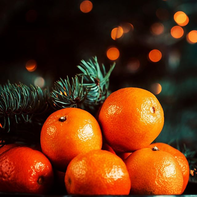 FRAGRANCE FRIDAY: MANOR CHRISTMAS HOME SCENT 🍊 SPEND OVER £40 ONLINE AND RECEIVE A COMPLIMENTARY HOME SCENT. AVAILABLE ONLINE UNTIL 20TH DECEMBER AND WHILE STOCKS LAST 🍊 Can you believe there are only two Fridays left until Christmas?  This will be our last Fragrant Friday this year and we hope you have enjoyed them as much as we have!  This week, we are offering a complimentary Manor Christmas Roomspray with any order over £40 🍊 Our Manor Christmas Roomspray, inspired by the citrus perfume released as the fruit is peeled. A combination of zesty mandarin, orange and tangerine with spicy notes of pepper, bay and clove. A hint of vanilla adds some warmth to this bright fragrance that will bring Christmas cheer to even the gloomiest of December days 🍊 Have a really wonderful Christmas and a happy New Year. Thank you for all your support in 2019, we really appreciate it! 🍊 Don't forget we offer a refill service if you are able to bring back your empty True Grace container to our factory in Wiltshire
